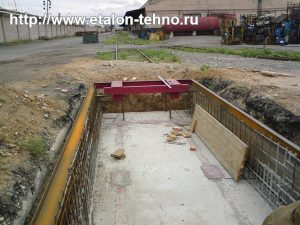 Заливка каркаса вагонных весов бетоном