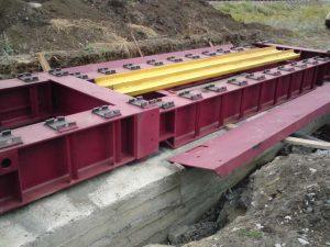 Установка конструкций вагонных весов на фундамент